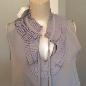 Kate spade ruffle solid top in grey. NWT